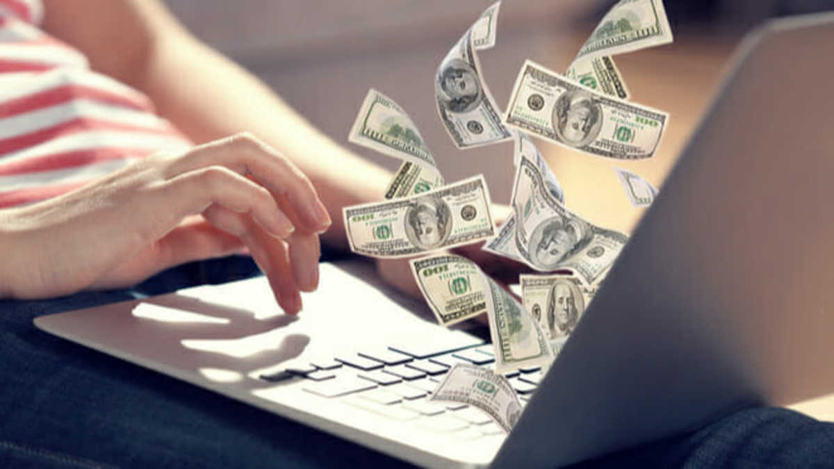 Thumbnail of 5 Ways To Earn $100 Every Day Online