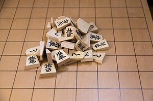 Thumbnail of 初心者でも上級あわよくば初段をめざす、手っ取り早く自己流な将棋の効率のいい勉強法と戦略のコツ